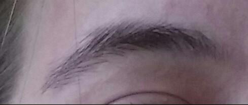 Wie bekomme ich meine Augenbrauen in eine neue Form?
