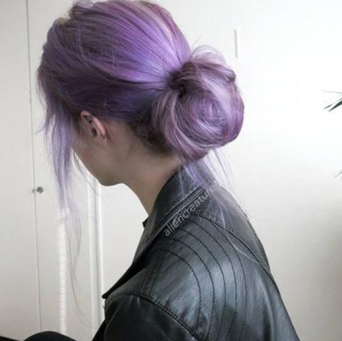 wie bekomme ich solch eine haarfarbe hin haare f rben lila. Black Bedroom Furniture Sets. Home Design Ideas