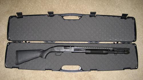 Das ist eine Mossberg 590 - (Waffen, legal)