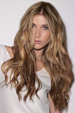 Wie Bekommt Man So Schöne Lockenwellen Wie Auf Dem Bild Hin Haare