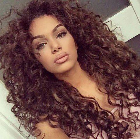 Frisuren Locken Dauerwelle Helle Haarfarbe 2019