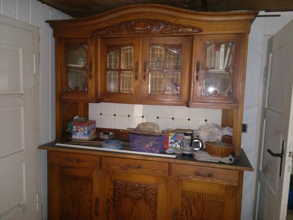 wie bezeichnet man genau diesen schrank und welche stilart k nnte es sein antike alte m bel. Black Bedroom Furniture Sets. Home Design Ideas