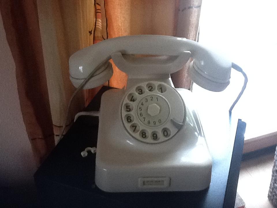 wie bringt man altes telefon zum laufen reparatur. Black Bedroom Furniture Sets. Home Design Ideas