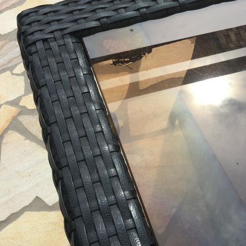wie entferne ich ein bienennest bienen wespen. Black Bedroom Furniture Sets. Home Design Ideas