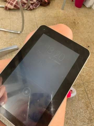 Wie entsperre ich ein MEDION Lifetab Tablet?