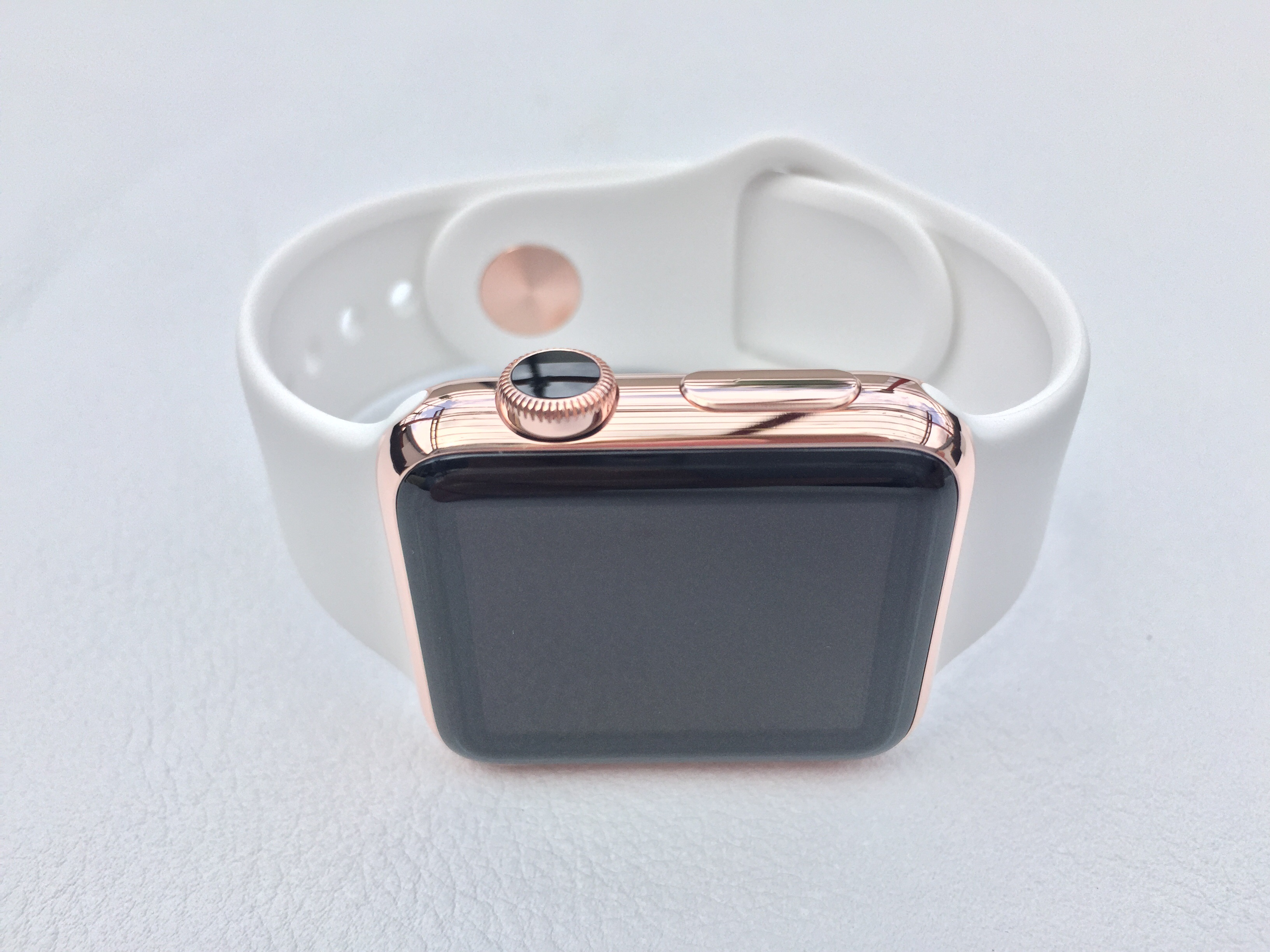 wie f rbe ich die krone der apple watch wei weiss glas lackieren. Black Bedroom Furniture Sets. Home Design Ideas