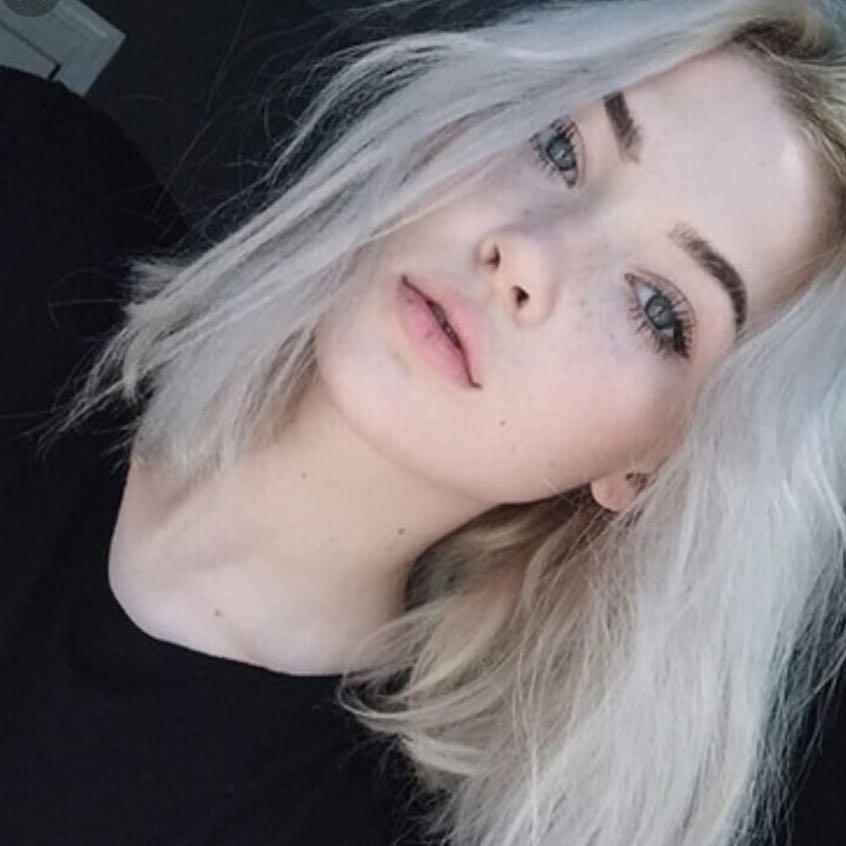 Wie Färbe ich meine Haare Weiß bzw Grau? (Tipps, Haarfarbe