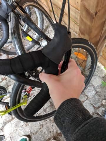 Wie Fahrradbremse fester stellen?