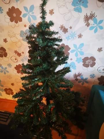 Wie fimelt man den Weihnachtsbaum auseinander ?