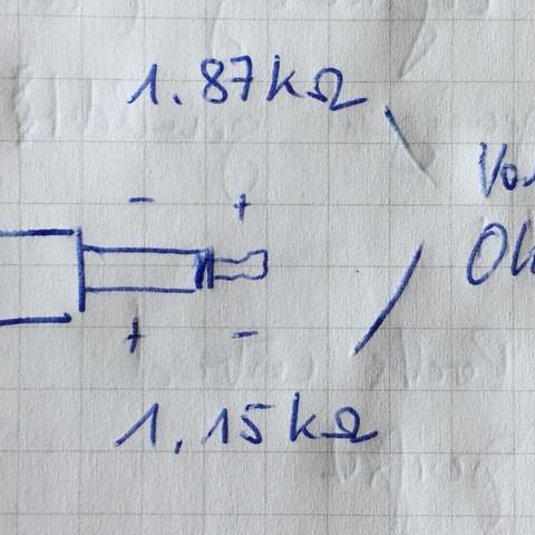 Skizze der Messung  des Widerstands am 2-pol Mikrofonstecker in beide Richtungen - (Auto, Elektronik, Mikrofon)