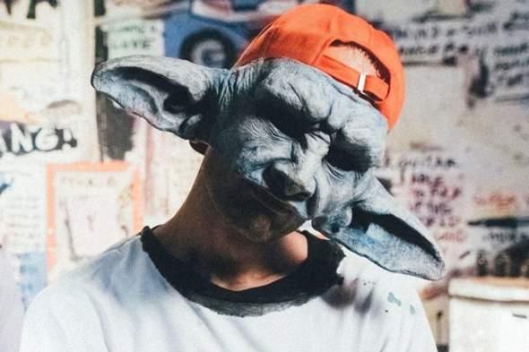 Wie findet ihr Cro's neue Maske?