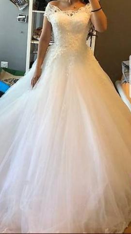 Wie findet ihr das Hochzeitskleid?