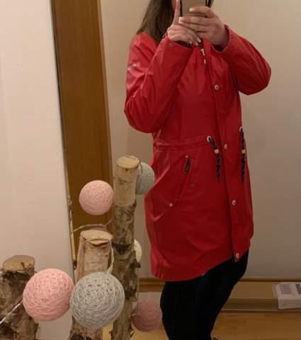 Wie findet ihr das Outfit eher gesagt die Jacke?