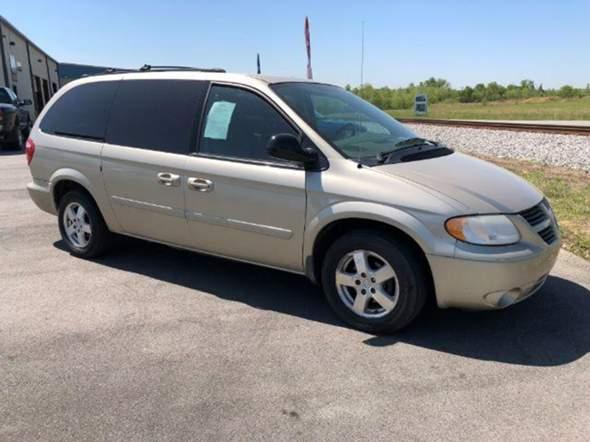 Wie findet ihr den Dodge Caravan 2005?