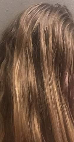 Wie findet ihr die Haarfarbe (ist Natur Haarfarbe) und welche blondtöne seht ihr darin?