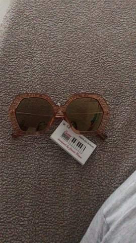 Wie findet ihr die sonnenbrille?