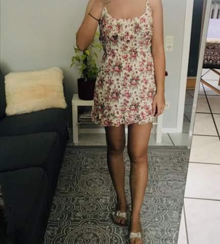Wie findet ihr diese Kleider für 17 - 18-jährige?