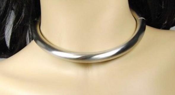 Wie findet ihr einen Halsreif aus Edelstahl für Männer und ist das gesellschaftsfähig ?