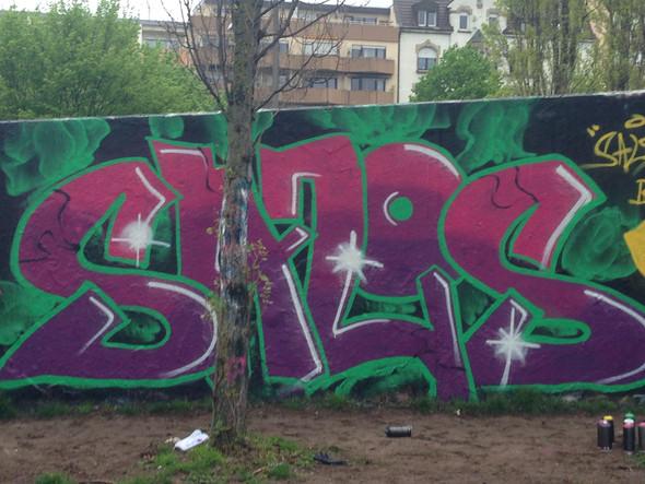 Bild 1 - (Graffiti, Sprayen)