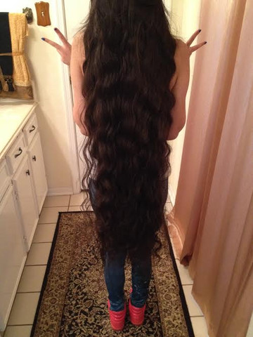 Ausgehfrisur - (Haare, schneiden, Extrem lange Haare)