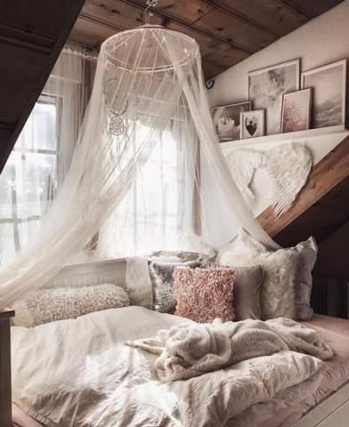 Wie findet ihr so ein Moskitonetz fürs Bett?