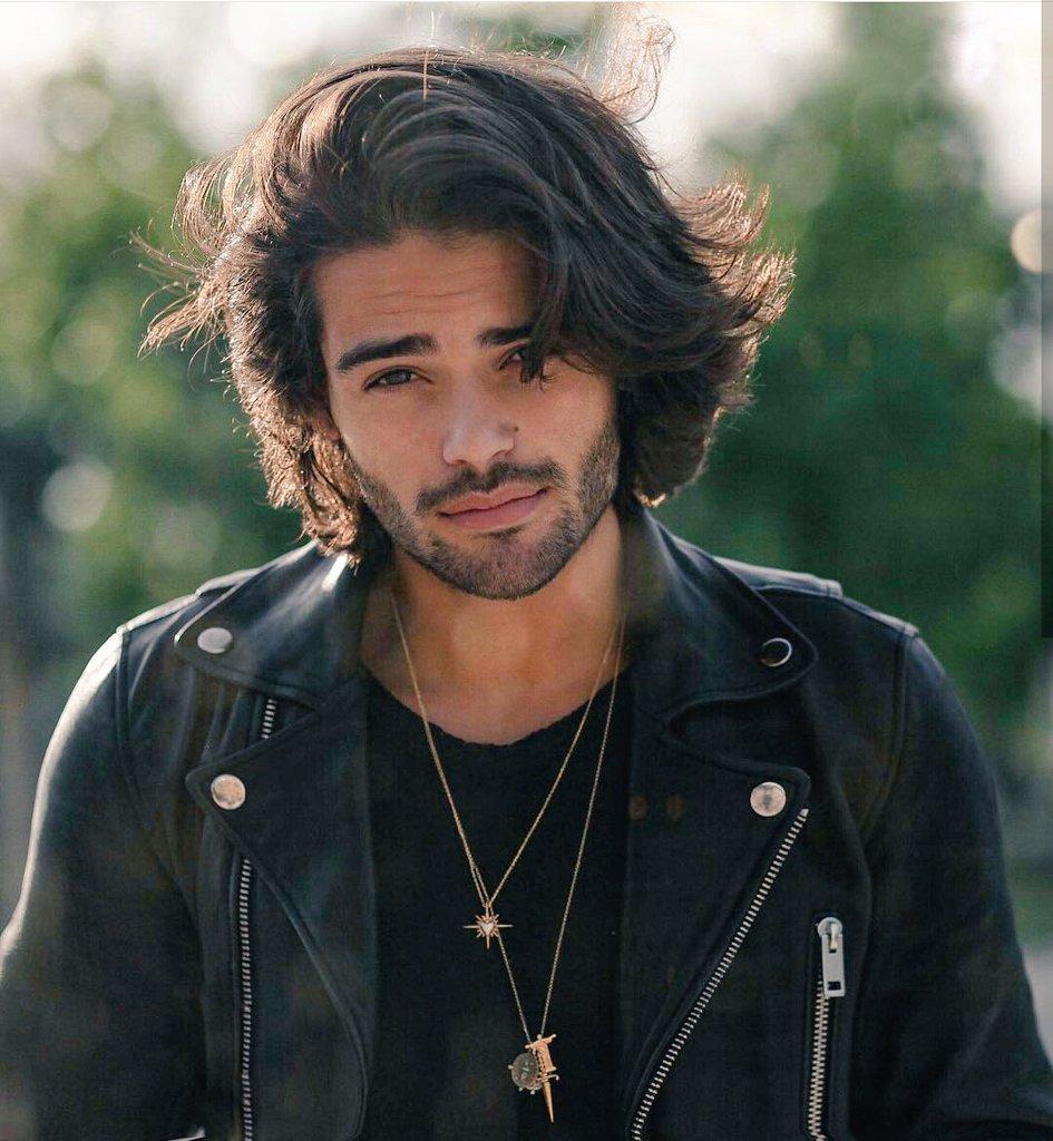 Wie findet ihr solche Haare bei Männern? (Aussehen)