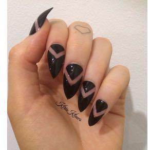 Negative space nails ❤️ - (Naildesign, Negative space)