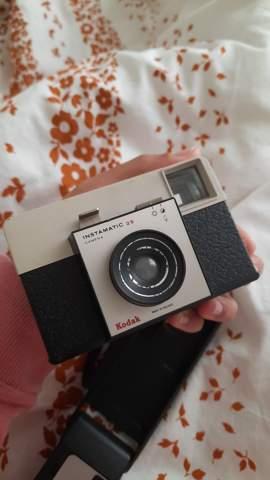 Wie funktionieren diese 2 alten Kameras? Und funktionieren sie überhaupt?