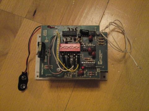 Rückseite mit Anschlüssen - (Elektronik, Elektrotechnik, Dip Schalter)