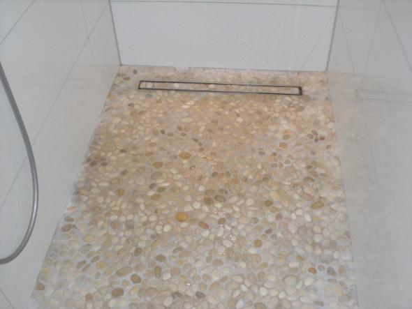 Fußboden Reinigen ~ Wie fußboden in dusche bad reinigen haushalt putzen badezimmer
