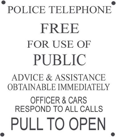 hier ein Bild von dem Schild. Quelle:http://www.hobbyschneiderin24.net/portal/ar - (Doctor Who, BBC, Nachbau)