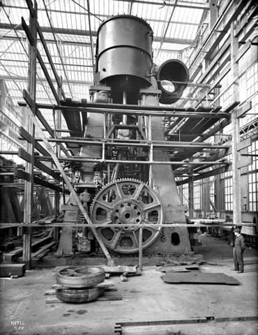 Wie hat man auf Schiffen die Dampfmaschine gestartet?