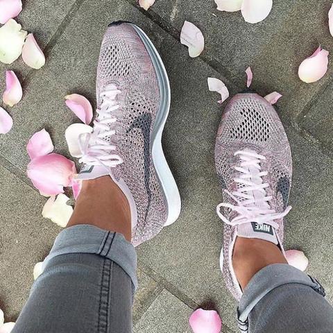 Nike Schuhe  - (Nike, Sneaker)