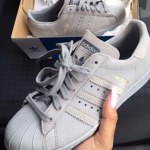 Superstars Adidas Grau