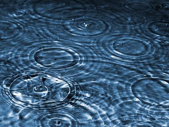 wie hei en die ringe wenn es regnet wasser natur wetter. Black Bedroom Furniture Sets. Home Design Ideas