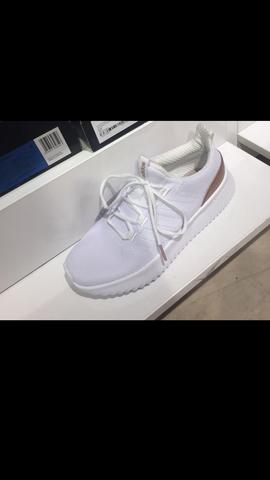 newest e5cfc 71415 Wie heißen diese Adidas Schuhe (suche sie im Internet)?