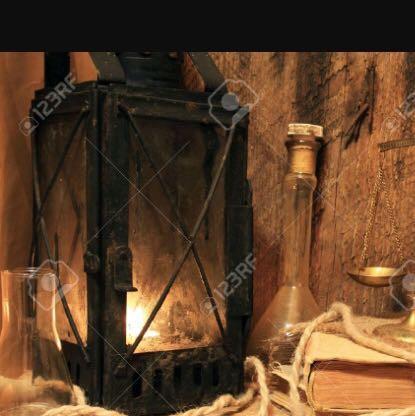 Die Lampe links im Bild - (Name, alt, Lampe)
