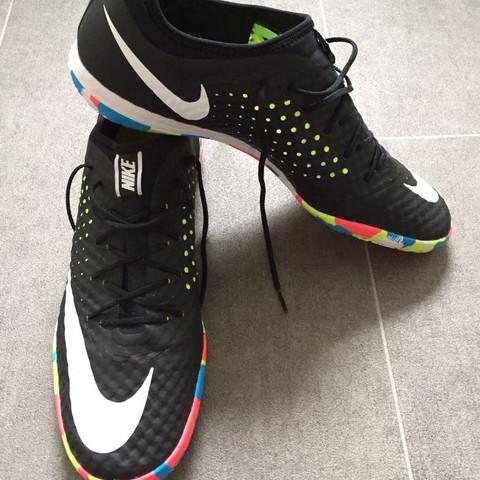 Wie Heissen Diese Nike Hallenschuhe Fussball Kaufen Schuhe