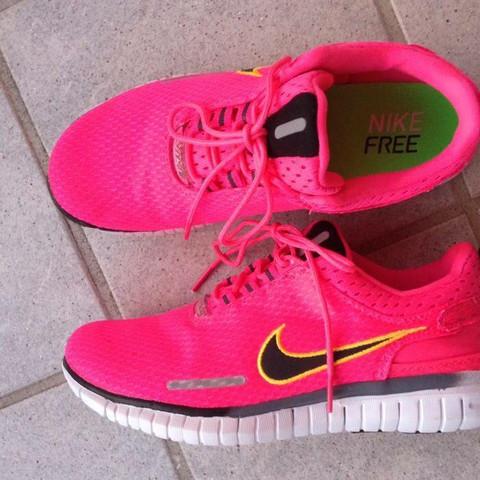Nike Schuhe  - (Modell, nike-schuhe)