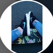 Noch eins  - (Schuhe, Name, Nike)