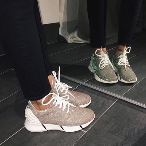 Das sind die Schuhe  - (Schuhe, adidas)