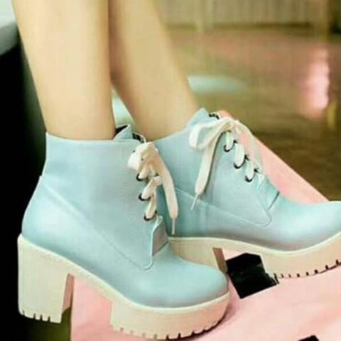Ich hab die mal im internet gesehen - (Schuhe, Sneaker, blau)
