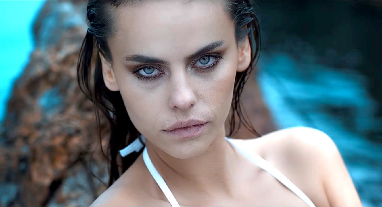 Wie Heißt Das Model In Dem Musikvideo Von Mahmut Orhan Feel Feat