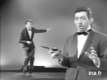das hier - (Musikvideo, schwarz-weiß)