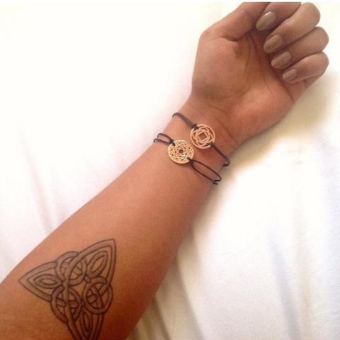 Schicksal Symbol Tattoo