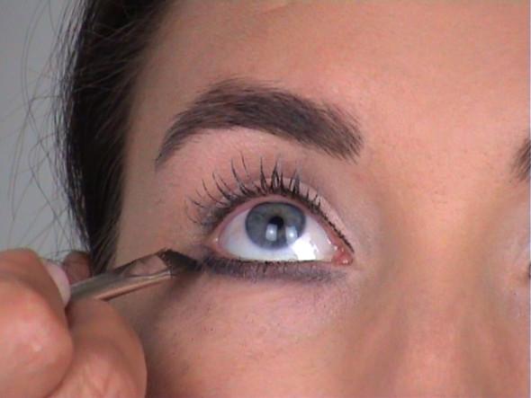Bild - (Make-Up, Eyeliner, Lidstrich)
