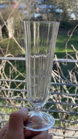 Wie heißt diese Art von Champagner Gläsern?
