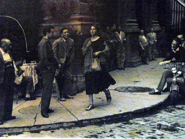 Foto vl in Italien 50er/60er Jahre? - (Fotografie, Titel, schwarz-weiß)