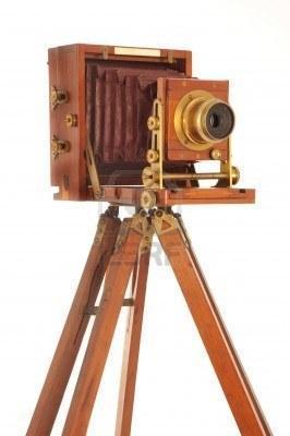 alte kamer mit stativ - (Kamera, Fotografie, alt)