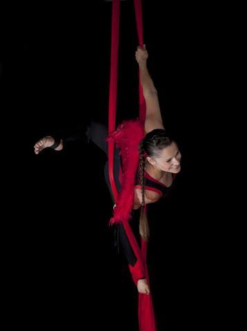 Bild 1 - (Sport, Akrobatik, Tuch)